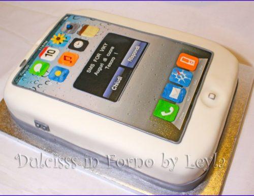 Torta iPhone decorata in pasta di zucchero