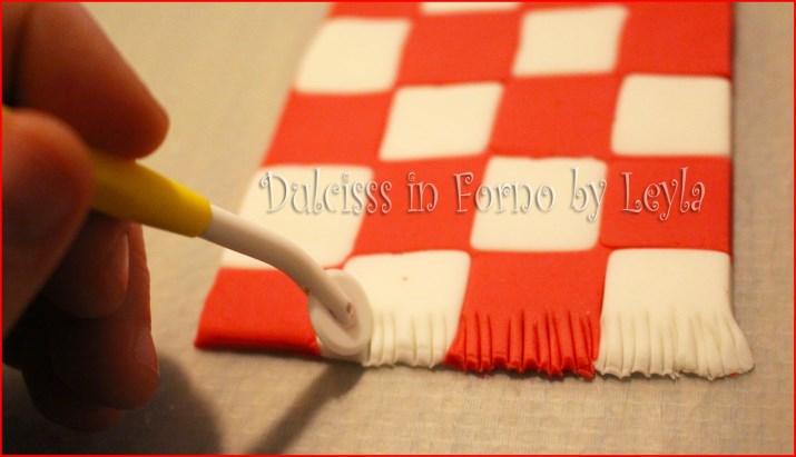 Pasta di zucchero a scacchi o scacchiera tutorial for Come costruire un aggiunta coperta