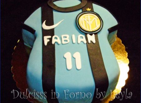 Torta Inter, decorata in pasta di zucchero, per la Festa del papà
