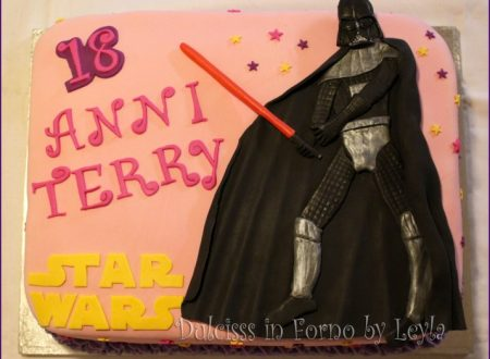 Darth Vader Cake in pasta di zucchero: torna Star Wars