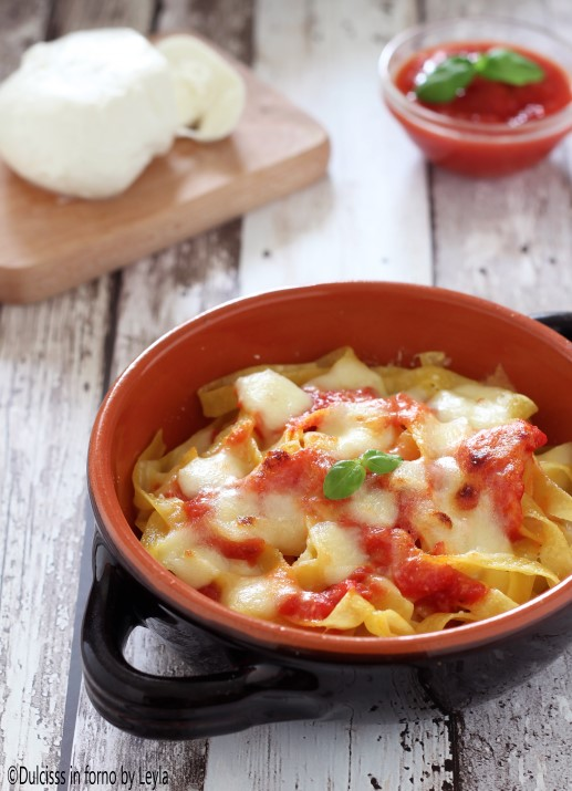 Pasta al forno pomodoro e mozzarella