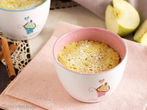 Torta di mele in tazza in 5 minuti, la Mug Cake alle mele