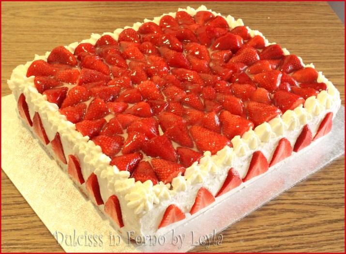 torta allo yogurt e fragole torta con yogurt e fragole torta con crema allo  yogurt torta. INGREDIENTI (20 persone)