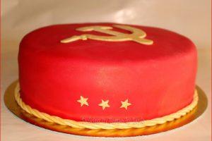 Russian cake: Torta Russia decorata in pasta di zucchero