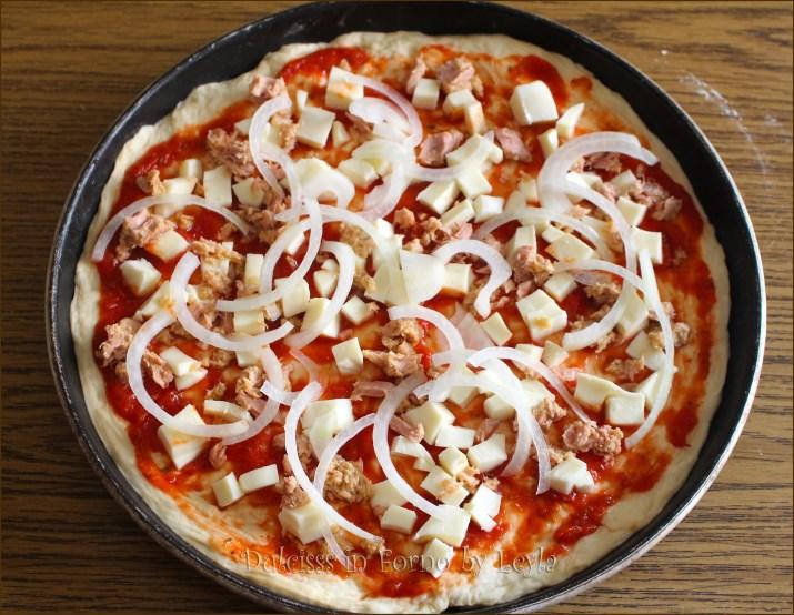 Pizza tonno e cipolla Dulcisss in forno by Leyla