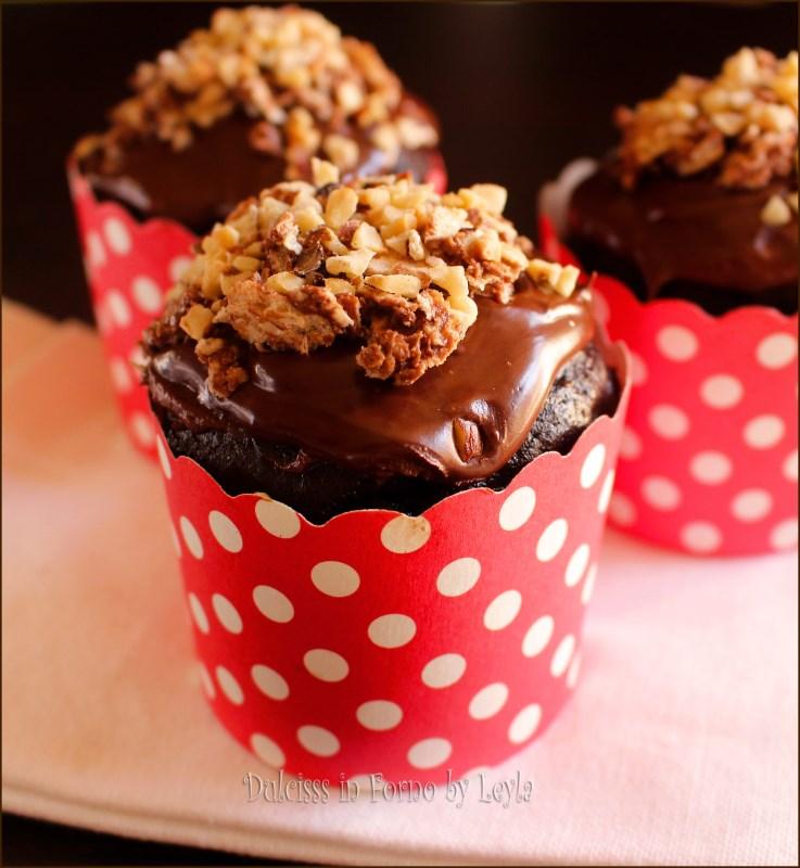 Cupcake rocher - muffin al cioccolato con nutella e nocciole Dulcisss in forno by Leyla