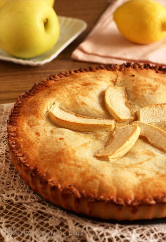 Crostata ripiena di mele e marmellata coperta: la Crostata Cuor di mela