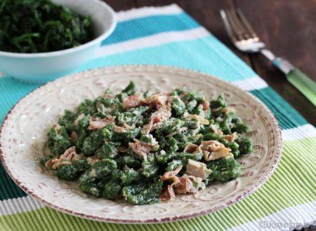 Spatzle: i famosi gnocchetti tirolesi agli spinaci con panna e prosciutto