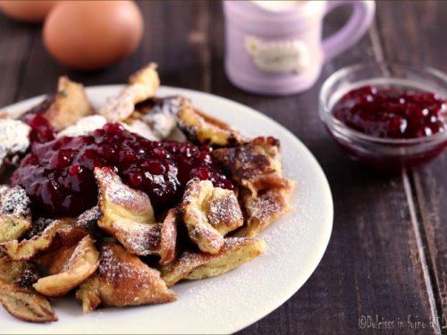 Kaiserschmarren ricetta originale: frittata dolce tirolese con marmellata