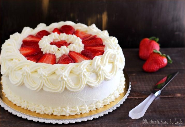 torta nuziale panna e fragole migliore collezione
