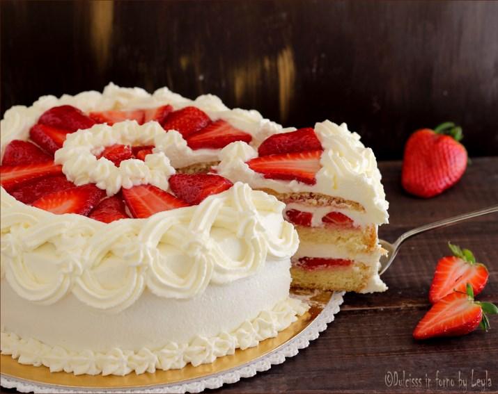 torta panna e fragole dulcisss in forno