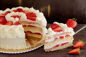 Torta panna e fragole, fresca e golosa