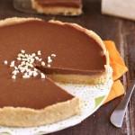 Crostata twix senza cottura crostata fredda al cioccolato e caramello torta senza cottura twix senza cottura twix estivi dolcetti al caramello dolcetti al cioccolato snack al caramello e cioccolato snack al cioccolato e caramello crostata twix ricetta ricetta senza cottura ricetta estiva ricetta fredda ricette con il cioccolato ricette con il caramello biscotti digestive caramello mou panna da cucina ricetta facile ricetta veloce ricetta economica ricetta semplice twix Dulcisss in forno by Leyla Crostata Twix senza cottura giallozafferano Crostata Twix senza cottura giallo zafferano Crostata Twix senza cottura blog giallozafferano torta senza forno ricetta senza forno