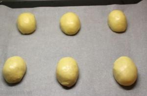 Maritozzi con la panna, ricetta di Luca Montersino Dulcisss in forno by Leyla