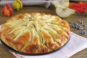 Torta di pere mele e cioccolato super morbida