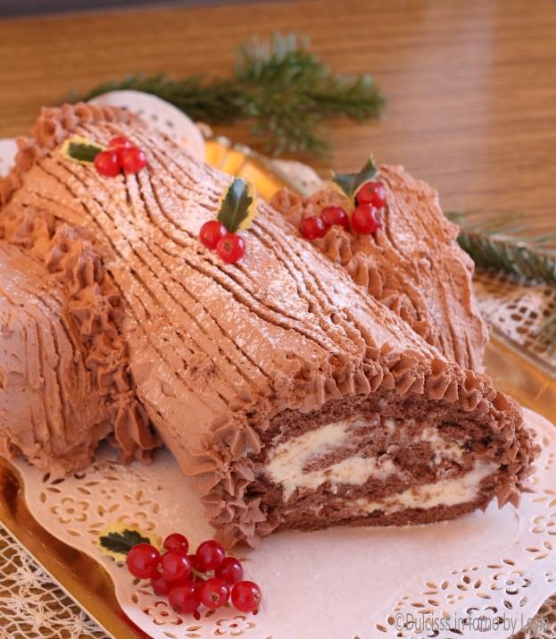 Ricetta Tronchetto Di Natale Al Cioccolato Bianco.Tronchetto Al Cioccolato Con Crema Al Cioccolato Bianco E
