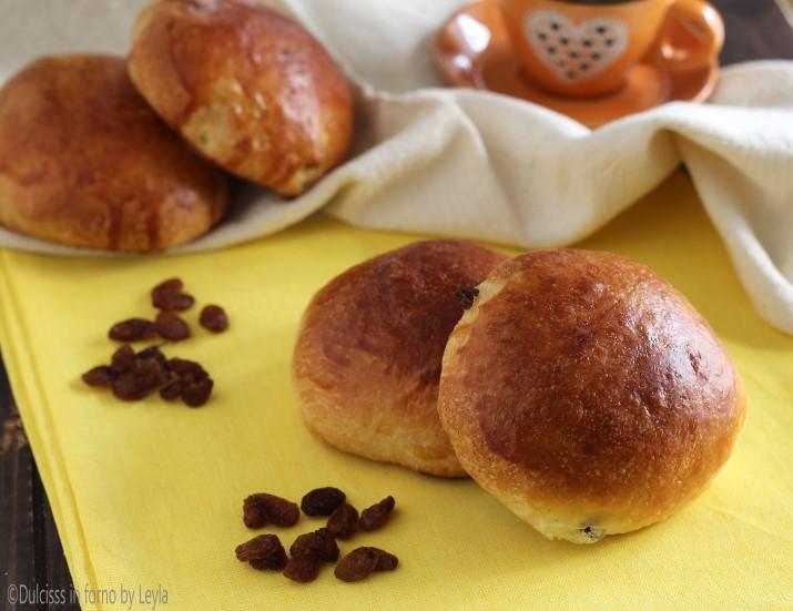 Panini con uvetta facili da colazione Dulcisss in forno by Leyla