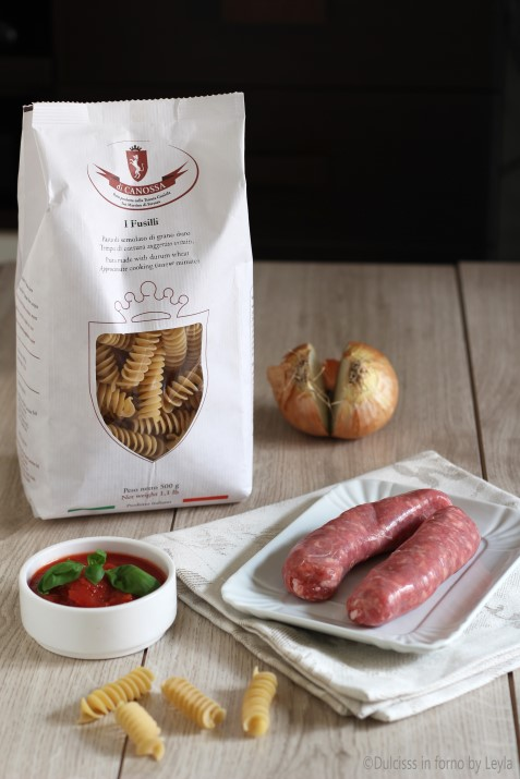 pasta alla campidanese Fusilli alla campidanese con salsiccia, pecorino e pomodoro Dulcisss in forno by Leyla