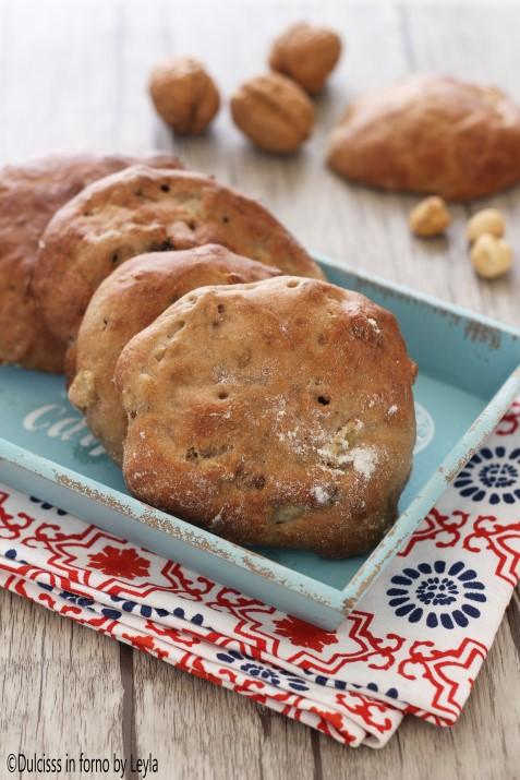 Pane alle mele noci e nocciole, ricetta tirolese Dulcisss in forno by Leyla