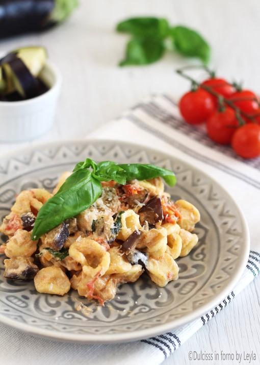 Orecchiette con melanzane e pomodorini Dulcisss in forno by Leyla