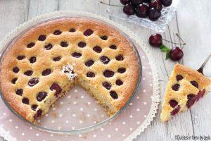 Torta alle ciliegie morbida con farina di farro