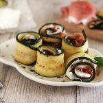 Involtini di zucchine grigliate con speck e stracchino