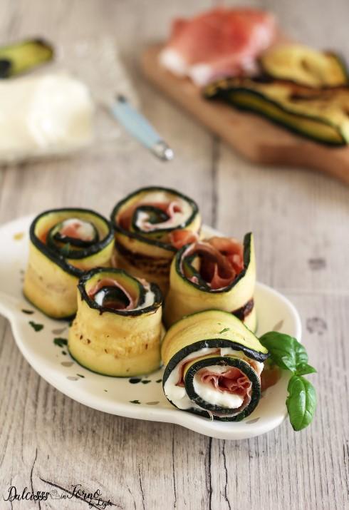 Involtini di zucchine grigliate e speck e stracchino Dulcisss in forno by Leyla