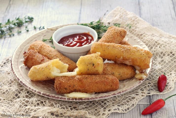 Bastoncini di Mozzarella Impanati O Mozzarella Sticks