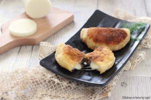 Mezzelune funghi e formaggio fatte in casa
