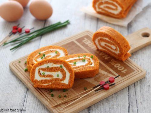 Rotolo al pomodoro e philadelphia di pan di spagna salato