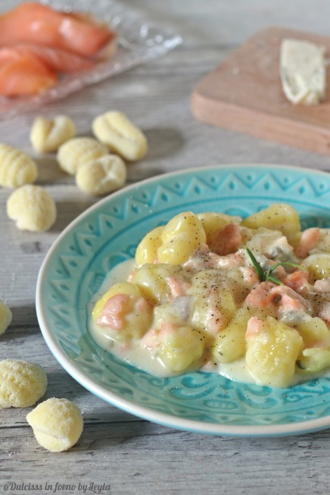 Gnocchi al salmone e crema di gorgonzola ricetta Dulcisss in forno by Leyla