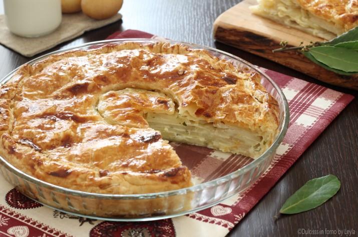 Torta salata di patate crude e panna alla francese