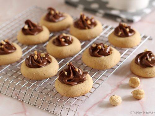 Biscotti alle nocciole e nutella