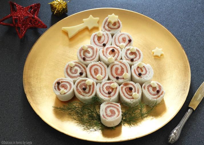 Antipasti Di Natale Al Salmone.Albero Di Natale Di Tartine Al Salmone Antipasto Di Natale