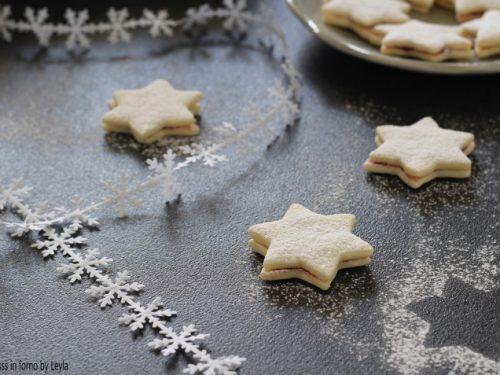 Biscotti senza uova latte e lievito: i biscotti Stelle di neve