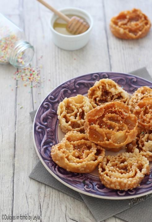 Ricetta Cartellate pugliesi con il miele o Carteddate pugliesi Dulcisss in forno by Leyla