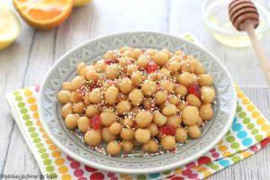 Struffoli napoletani ricetta tradizionale