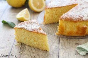 Torta soffice al limone ricetta senza burro, facile e veloce