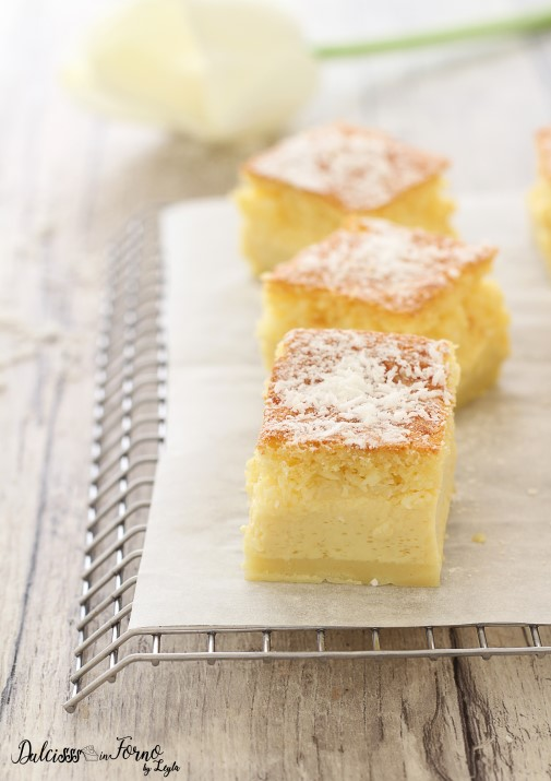 Torta magica ricetta classica e altre 6 varianti - Torta magica al cocco - Magic Cake Dulcisss in forno by Leyla