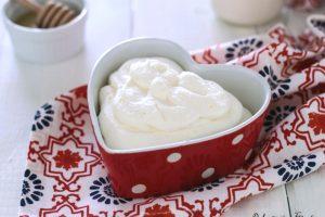 Crema al latte condensato veloce senza uova