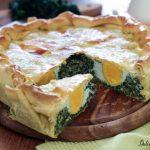 Torta Pasqualina semplice o torta salata con spinaci e ricotta