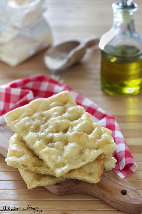 Focaccia morbida genovese ricetta con lievito di birra Dulcisss in forno by Leyla