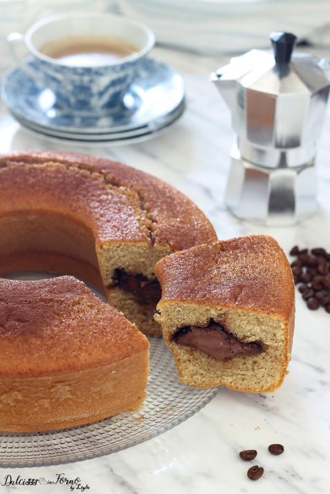 Ciambella al caffè e nutella soffice e dal cuore morbido Dulcisss in forno by Leyla
