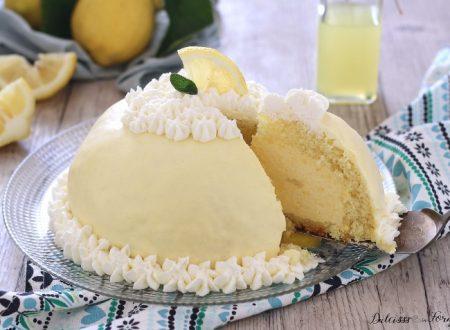 Torta Delizia al limone a forma di zuccotto