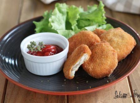 Nuggets di pollo facili fatti in casa, fritti o al forno