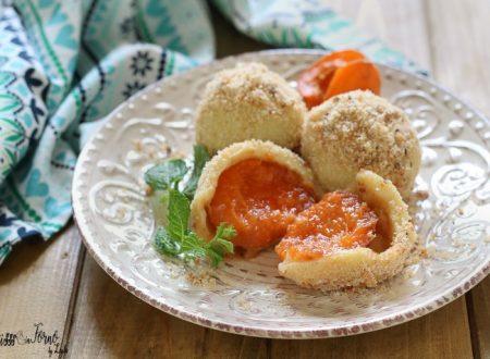Canederli dolci alle albicocche tirolesi o Marillenknodel