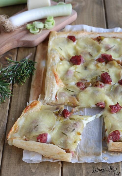 Torta salata con porri salsiccia e provola veloce con pasta sfoglia ricetta Dulcisss in forno by Leyla