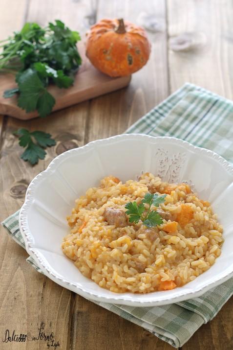 Risotto con zucca e salsiccia ricetta primo piatto facile e veloce con la zucca Dulcisss in forno by Leyla