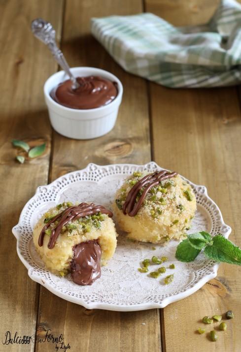 Canederli alla nutella e pistacchi dal cuore fondente - impasto alla ricotta ricetta Dulcisss in forno by Leyla