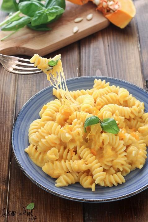 Pasta zucca e provola cremosa e filante, primo piatto con la zucca sfizioso ricetta Dulcisss in forno by Leyla